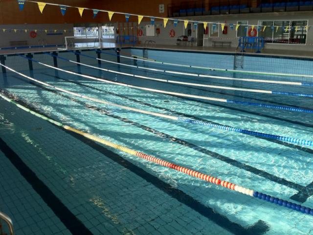 Una piscina de tres cantos sufre un ser madrid norte for Piscina islas tres cantos