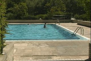 La piscina natural de riosequillo en ser madrid norte for Piscina natural de riosequillo