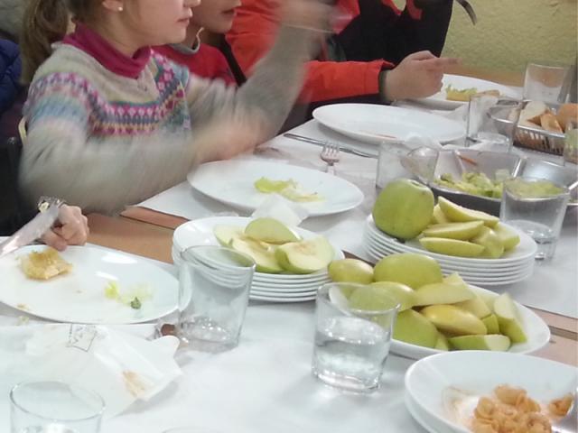 El servicio de comedor de un colegio ...   SER Madrid Norte