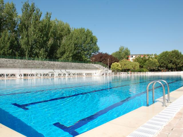 La piscina municipal de verano de ser madrid norte for Piscinas de verano madrid