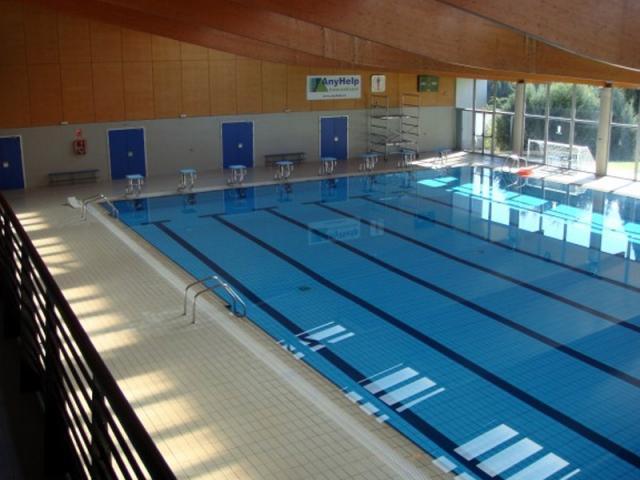 La piscina cubierta del complejo ser madrid norte for Piscina islas tres cantos