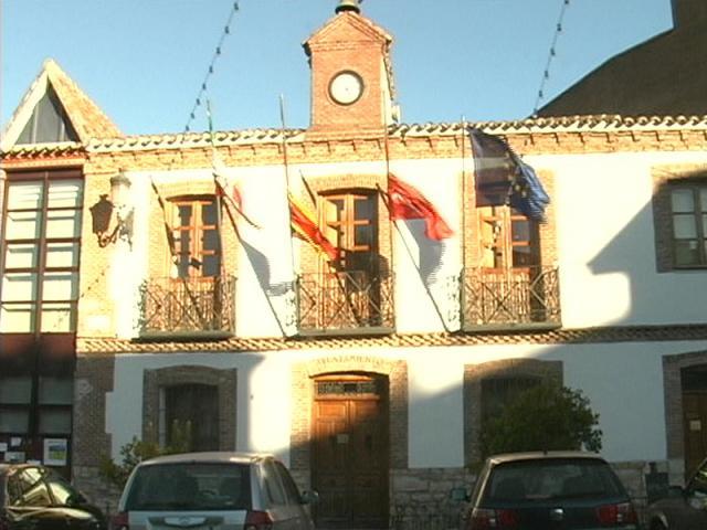 La pol mica concesi n de la piscina y ser madrid norte for Piscina san agustin de guadalix