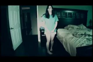 Trailer de Paranormal Activity en español
