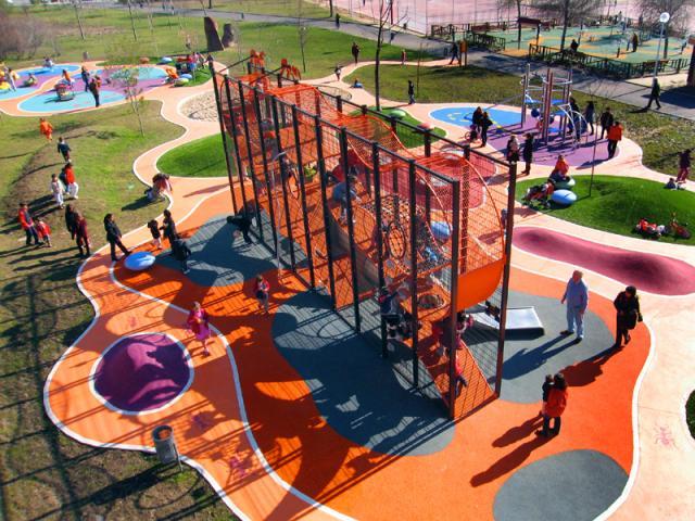 Dos reas infantiles de alcobendas ser madrid norte for Piscina municipal getafe