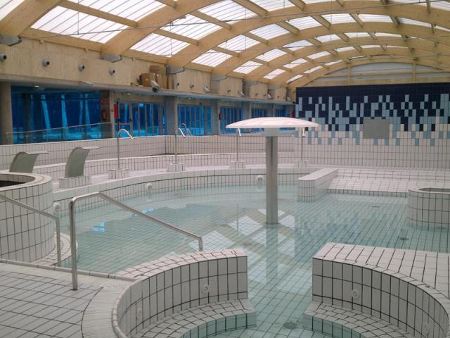 La piscina del sector islas de tres ser madrid norte for Piscina islas tres cantos